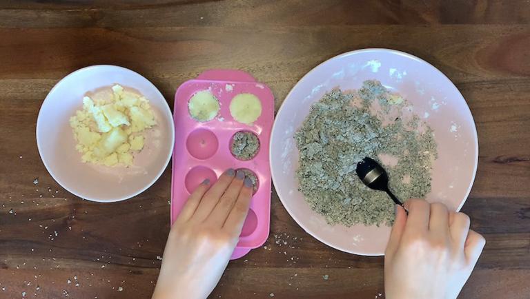 Schritt für Schritt-Bild zum Badekugel-Rezept Marmor mit Kaffeesatz 4