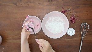 Schritt für Schritt-Bild zum Badekugel-Rezept mit Rosen 3