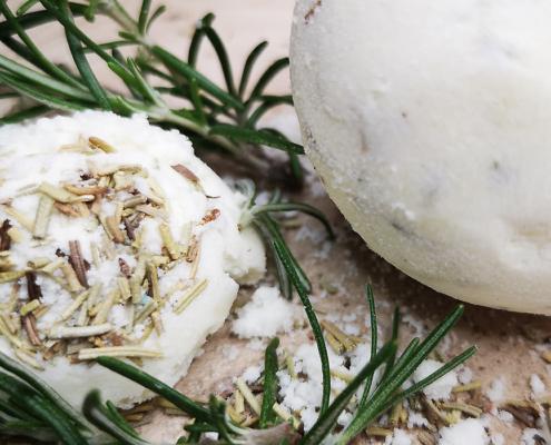 Titelbild zum Badekugel-Rezept mit Rosmarin
